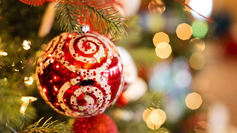 Christmas decluttering